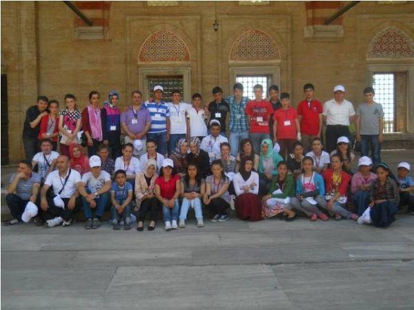 3.'cü Çocuk ve Gençlik Festivali Öğrencileri Edirn