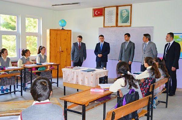 Kaymakam Yıldızhan Okullar'ı  Ziyaret Etti.