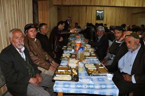 Sinlice Köyünde İftar yemeği