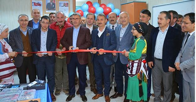 Atatürk Ortaokulu Robotik Kodlama Sınıfının açılışı yapıldı