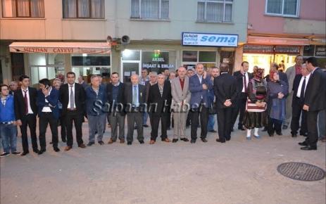 AK Parti Adayları Şalpazarı'na çıkarma yaptı.