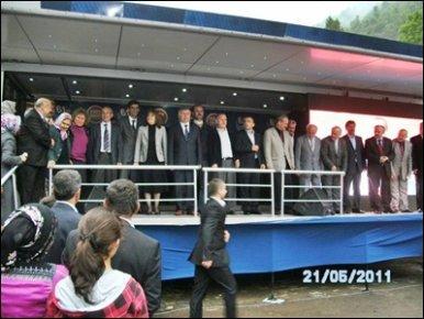 AKP adayları Şalpazarı'nı ziyaret etti
