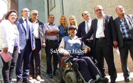 Ali Osman Sağlam yeni arabasına kavuştu.