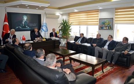 Aylık Meclis Toplantısı Başkan Kurukız Başkanlığında gerçekleştirildi.