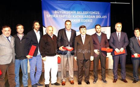 Başarılı Sporcu ve Kulüpler Ödüllendirdi.