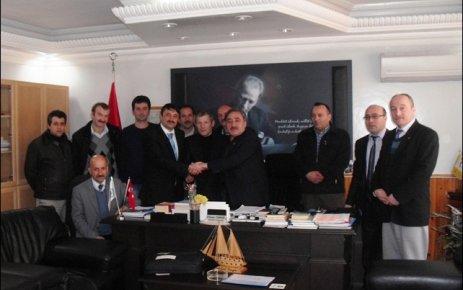 Belediye Başkanı Fehmi Cengiz'den İşcilere Jest