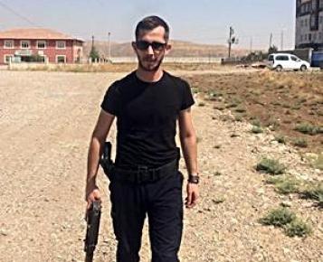 Cizre'deki patlamada Enes Aksoy yaralandı.