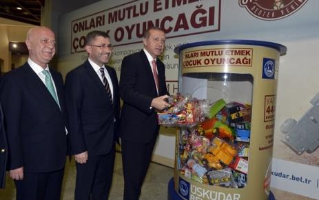 Cumhurbaşkanı Erdoğan ''Onları Mutlu Etmek Çocuk Oyuncağı'' kampanyasına katıldı.