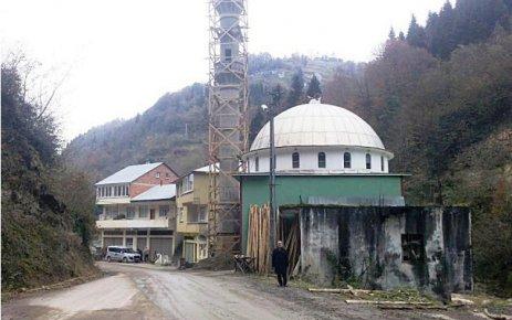 Dere camii'nde minare inşaatı