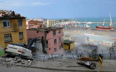 Esentepe'de 42 Binanın Yıkımına Başlandı.