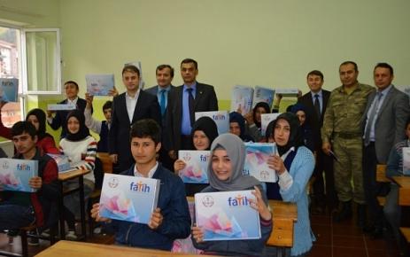 Fatih Projesi Kapsamında 9. Sınıf Öğrencileri'ne Tablet Bilgisayar