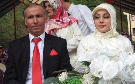 Fatma ile Harun evliler kervanına katıldı.