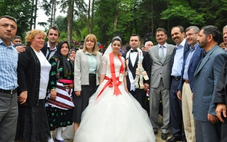 Festival gibi düğün.