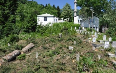 Güdün Köyü mezarlığında çevre düzenlemesi