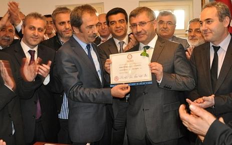 Hilmi Türkmen Resmen Başkan Oldu.