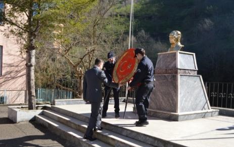 İlçemiz'de Çanakkale Şehitleri'ni Anma Programı Düzenlendi