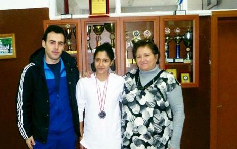A.Y.A.S.M.L Öğrencisi İrem Öztürk Tekvandoda gümüş madalya kazandı.