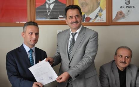Mehmet Muhcu İl Meclis Üyeliği için aday adayı müracatını yaptı.