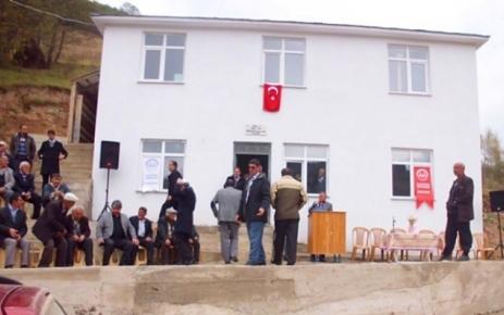 Merekmenli Camii törenle ibadete açıldı.
