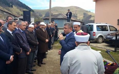 Mustafa Türkmen dualarla uğurlandı.