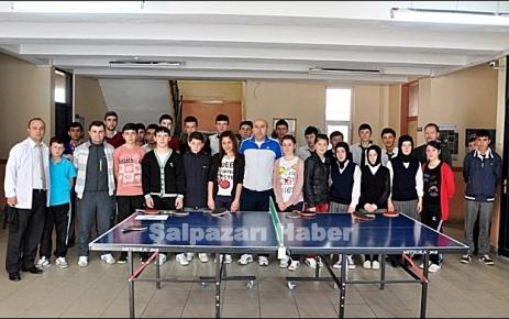 Okullar arası masa tenisi turnuvası sona erdi.