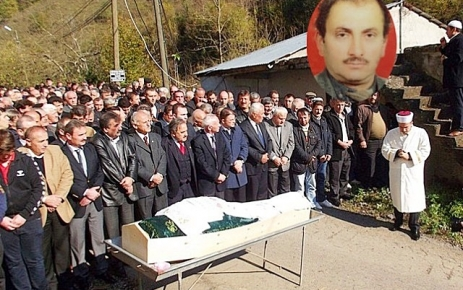 Remzi Özen Toprağa Verildi.