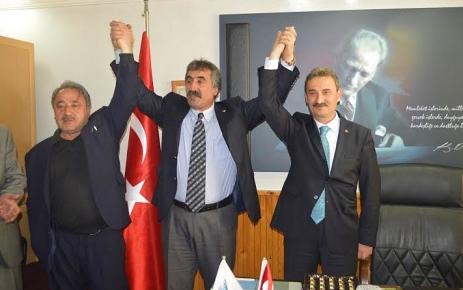 Şalpazarı Belediyesi'nde devir teslim töreni yapıldı.