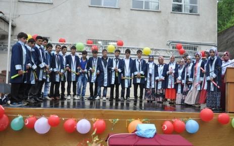 Şalpazarı İHL 2012-2013 Eğitim-Öğretim yılı Mezuniyet töreni yapıldı.