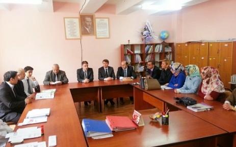 Şalpazarı Kaymakamlığı Atatürk İlköğretim Okulunada Yardım Dağıttı.