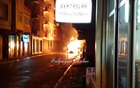 Şalpazarı'nda bir araç yandı