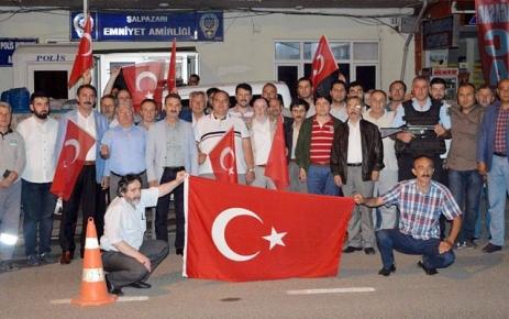 Şalpazarı'nda Darbe girişimine protesto yürüyüşü