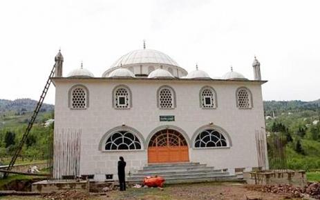Sayvançatak Köyü Fatih Camii'ne Çifte Minare.