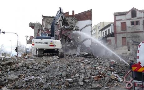 Tabakhane'de yıkılan bina sayısı 460'a ulaştı.