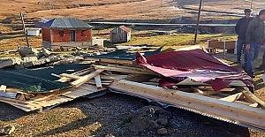 Sis Dağı#39;nda kaçak binalar yıkılıyor