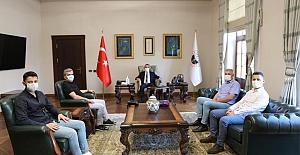 Kırklareli Valisi Osman Bilgin, Demir Ali bebeğe yardım ekibini makamında kabul etti.