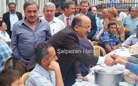 Trabzon Büyükşehir Belediyesi 1100 kişiye iftar verdi.