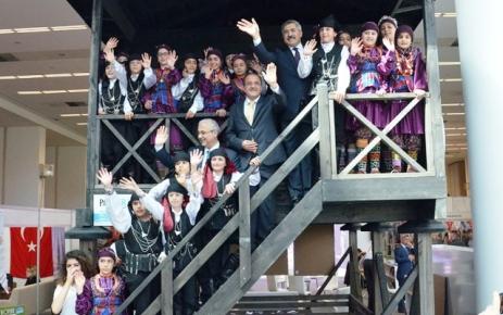 Trabzon Büyükşehir Belediyesi'nin standına büyük ilgi