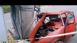 Şalpazarı'nda Freni Boşalan Otomobil Elektirik Direğine Çarptı